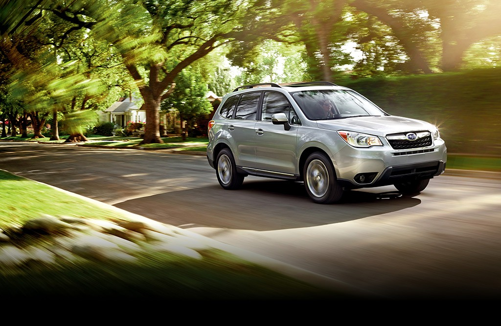 Forester 2.5i Touring in Ice Silver Metallic.
