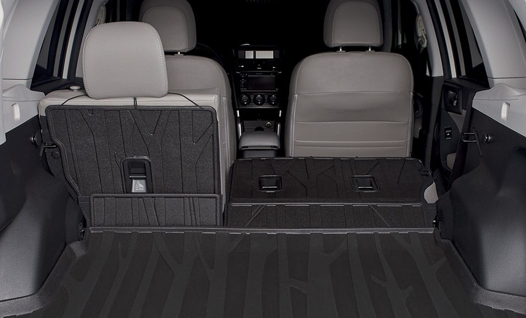 <b>Rear Seatback Protector</b><br><br>Provides additional protection to the rear seatbacks when lowering the seats to transport larger cargo. Use in conjunction with a Rear Cargo Tray.<br>