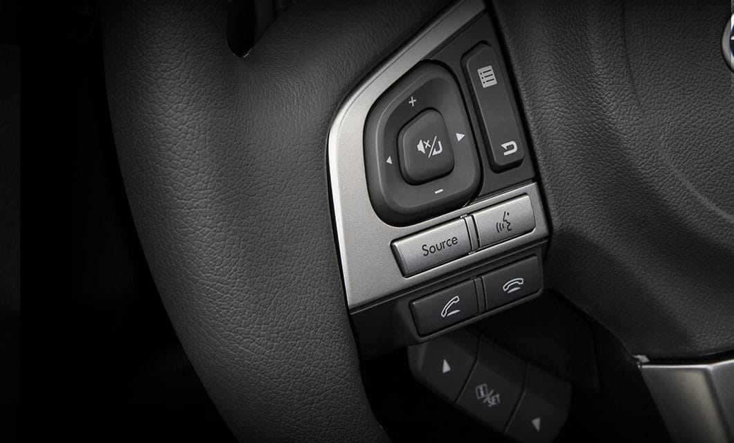 <b>Bluetooth<sup>&reg;</sup></b><br><br>With the ability to wirelessly connect to your Bluetooth<sup>&reg;</sup>-enabled phone and make hands-free calls using voice commands or the steering wheel controls, your eyes are always on the road. Your system also offers you the ability to stream your music from your Bluetooth<sup>&reg;</sup>-enabled music player.<br>