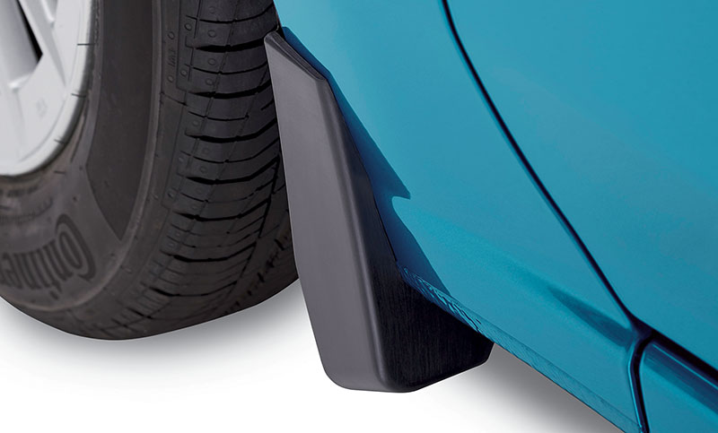 <b>Splash Guards</b><br><br>Help protect vehicle paint finish from stones and road grime.