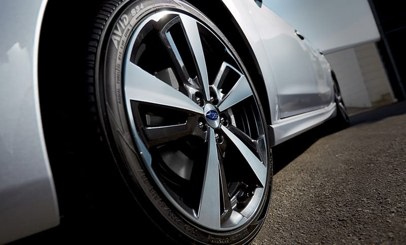 Standard 18-inch alloy wheels deliver a high-performance look along with improved handling that complements the sport-tuned suspension and Active Torque Vectoring exclusive to the Impreza 2.0i Sport.