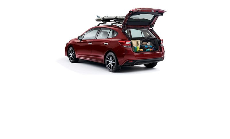 <b>Roof Rails</b><br><br>Versatility is something you can always expect with the 2018 Impreza, thanks to available integrated roof rails and standard crossbar mounting points.