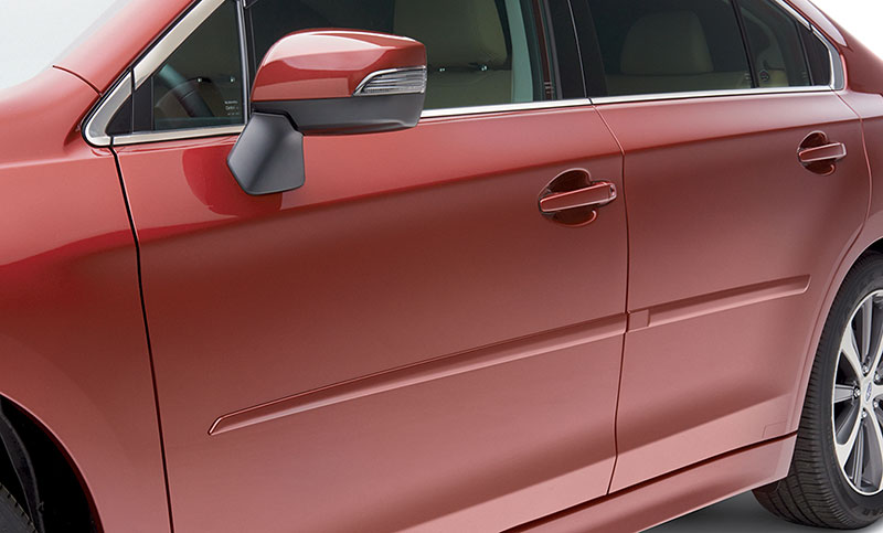 <b>Body Side Moldings</b><br><br>Attractive color-matched moldings coordinate with the styling of the vehicle while helping to protect doors from unsightly dings.<br>