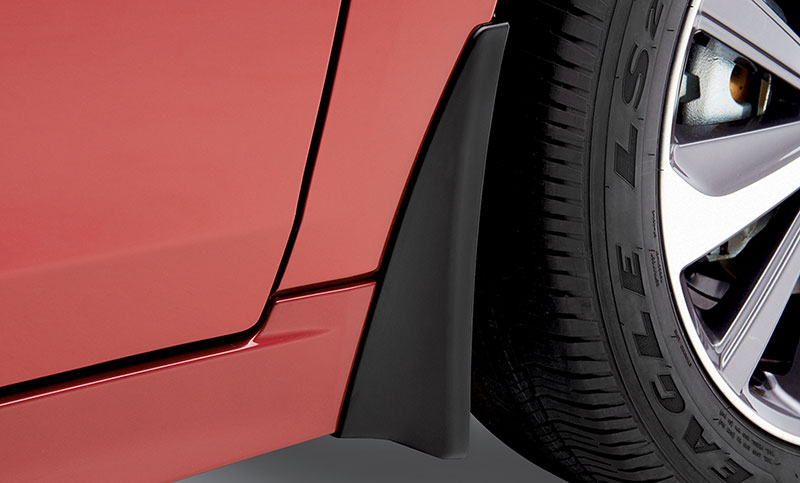 <b>Splash Guards</b><br><br>Help protect the vehicle&rsquo;s paint finish from stones and road grime. This accessory reduces vehicle ground clearance.<br>