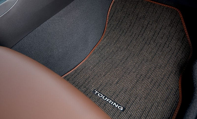 Every Outback Touring features unique floor mats to complement the luxurious Java Brown Leather interior.