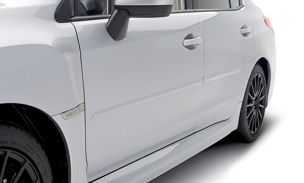 <b><br>Body Side Moldings</b><br><br>Color-matched moldings help protect the vehicle's doors from parking lot dings while attractively blending with the lines of the car.<br><br><br>